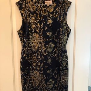 Dresses & Skirts - Snake print dress- Gold and Navy